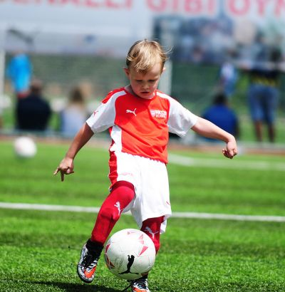 Arsenal Soccer Schools - 3 Day Course - Woking - Football Schools