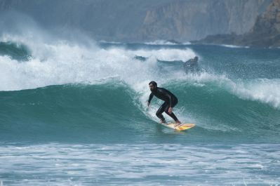 Surf Training Programme with a Personalised English Course (All Levels) -