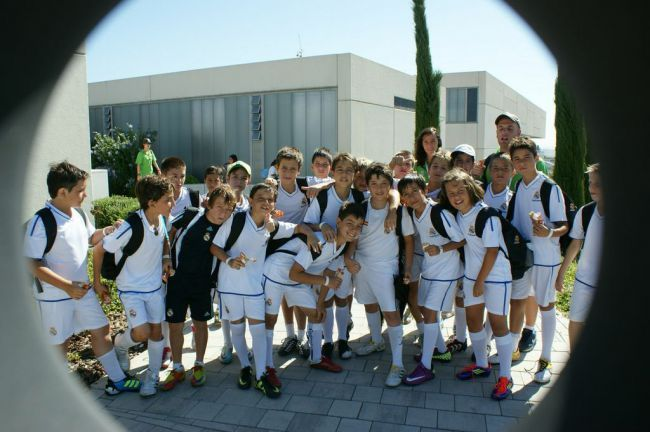 STANDARD CAMPUS Experience Real Madrid Foundation - Football Camps