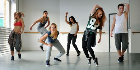 TLG Juniors English Language & Dance Summer Camp with Pineapple Studios - Dance-Course