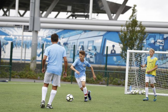 Manchester City - Football Performance Programme - Football Camps